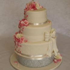 Sugar roses & sugar bow with diamante wedding cake