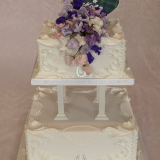Edwardian Royal Iced & Sugar Sweet Peas Wedding Cake