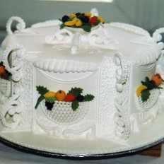 Victoriana Royal Iced Christmas Cake