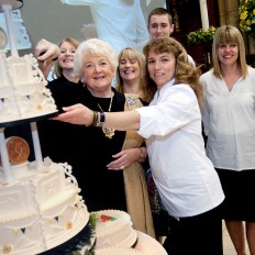 donna-jane-cakes-truro-college-2012-olympic-cake-01